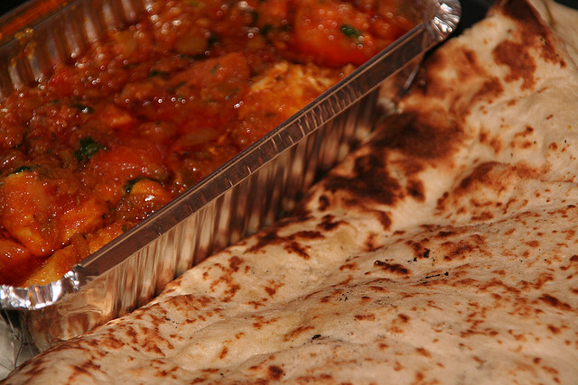 Chicken bhuna and naan bread